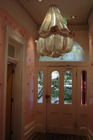 Medusa: Entrance/Lobby