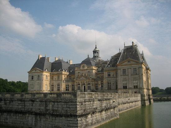 Château de Vaux-le-Vicomte : From the edge of the moat