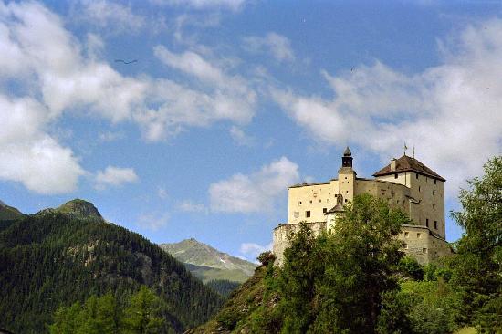 Schloss Tarasp: Schloss  Tarasp
