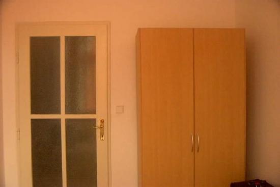 Alea Apartments House: Zimmer von Arpartment 103 - 2 bett zimmer ( von 1x4 und 1x2 betten)