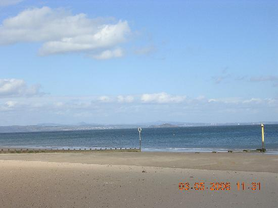 Abercorn Guest House: Spring - A view across the Firth of Forth to Fife from Portobello Beach