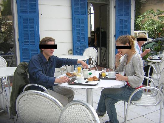 Hôtel Le Havre Bleu: Petit-déjeuner sur la terrasse