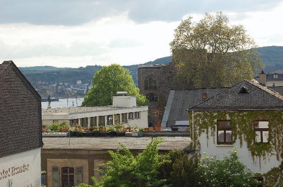 Breuer's Ruedesheimer Schloss: BRSH_Room 24_View w2