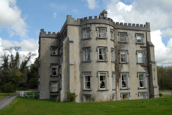 Ballyseede Castle: outside view