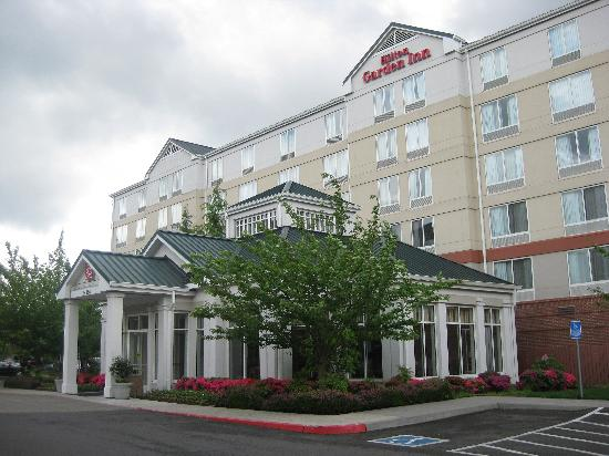 Lake Oswego, OR: Exterior Hotel View