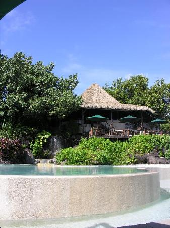Pacific Resort Aitutaki: Rapae Bay Restaurant and Pool