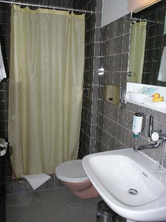 Sorell Hotel Arabelle: Il bagno