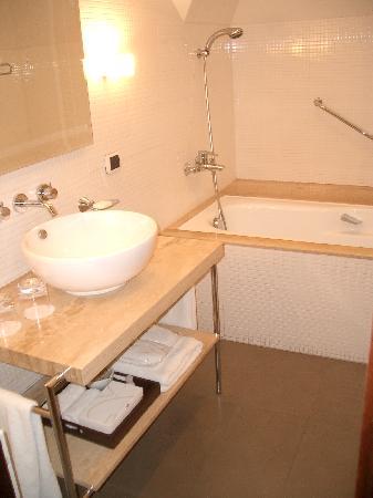 Hotel Casa Higueras: Bathroom