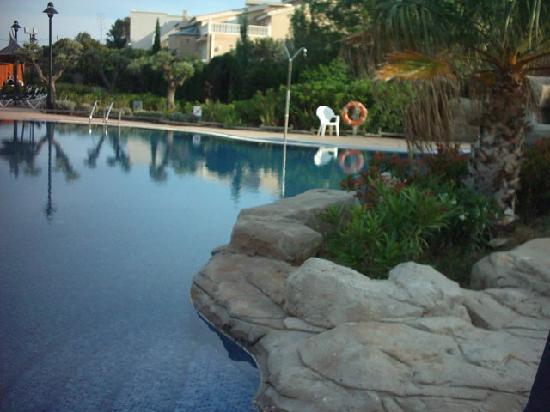 RV Hotel Ametlla Mar: la picine exterieur de l'hôtel