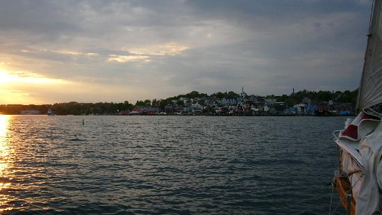 Sail Inn B&B: Lunenburg Harbour