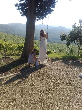 Villa Rignana: wedding shoot for cosmopolitan brides