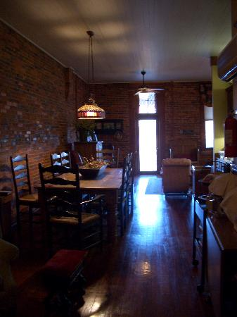 Plains Historic Inn: breakfast room with dining table
