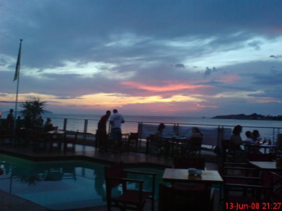 Apartamentos Poniente Playa: sunset from Kanya Beach (Bar/Club)