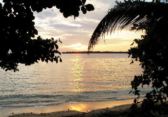 Bunaken Cha Cha Nature Resort: sunrise from our veranda
