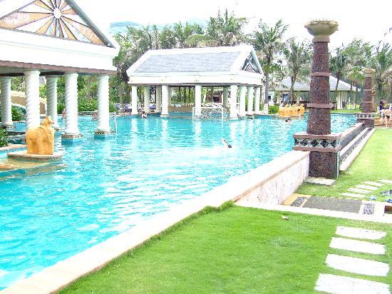 Crown Spa Resort Hainan : pool