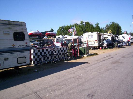 New Hampshire Motor Speedway: NHMS Camping- Nice set-up in the F lot by a fan