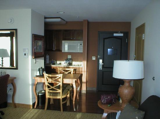 Homewood Suites by Hilton @ The Waterfront: Kitchenette