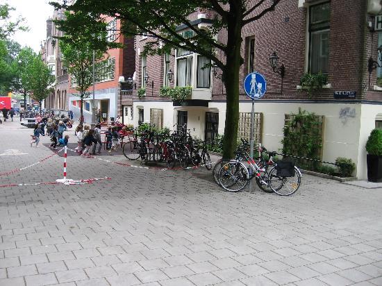 Hotel Fita : children play ground next to your window