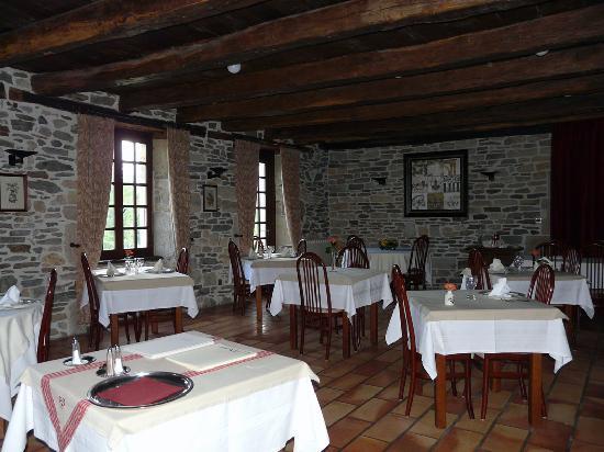 Le Manoir de la Fabregues : dining room