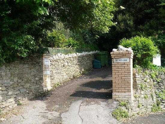 Westwood B and B driveway/entrance