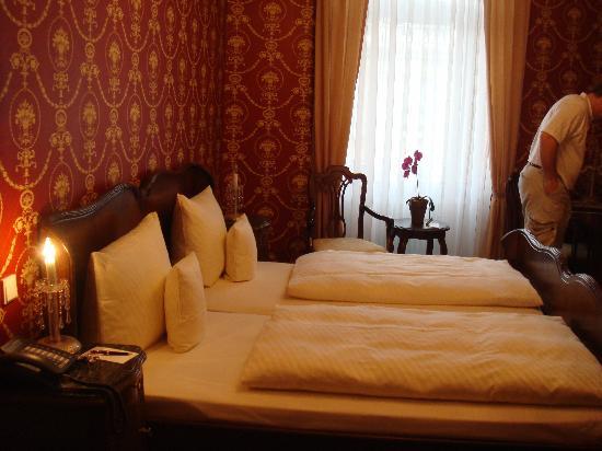 Heliopark Bad Hotel zum Hirsch : Our room