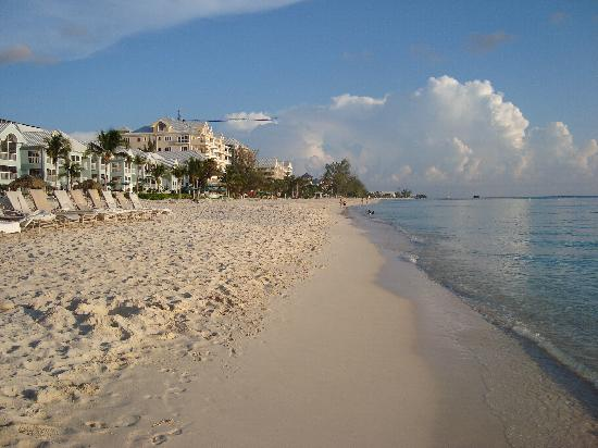 The Ritz-Carlton, Grand Cayman: Seven Mile Beach was beautiful