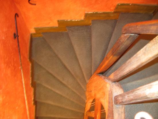 Hotel de la Tulipe Tour Eiffel: Staircase