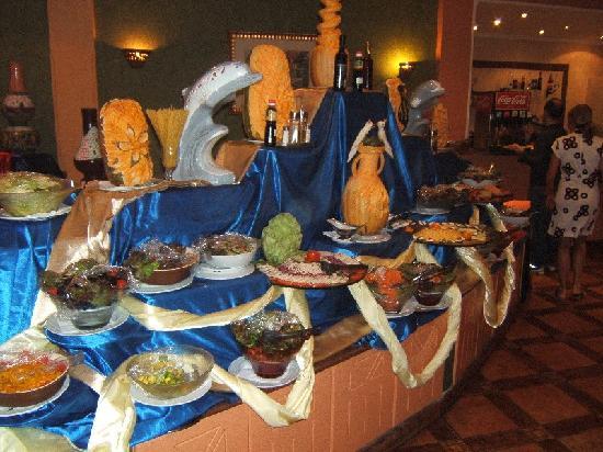 Carnelia Beach Resort: Una parte del buffet giornaliero
