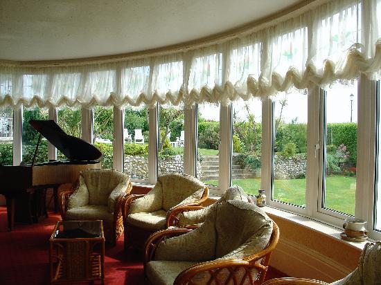 Brunswick Hotel: lounge