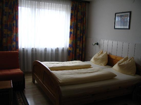 Hotel Drei Kreuz: Room