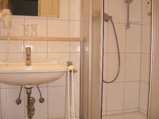 Hotel Laimer Hof: Bathroom