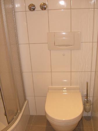 Hotel Laimer Hof: Bathroom