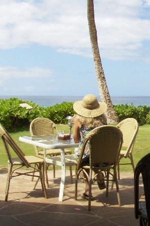 Aston Maui Kaanapali Villas: Ocean view restaurant with bland food