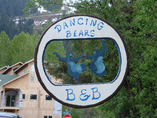 Dancing Bears Nightly Rental: Dancing Bears sign