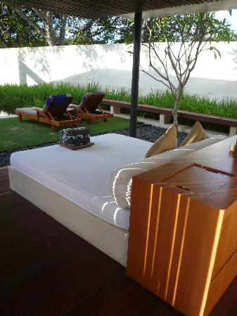 The Bale: Day bed
