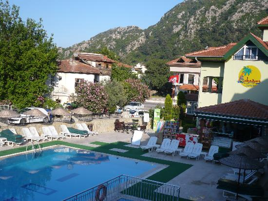 Babadan Hotel & Apartments: pool and entrance area