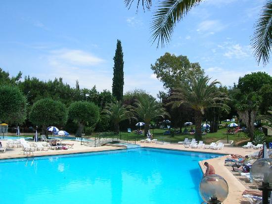 Aquis Park Hotel : la piscine ! Un moment magique de décontraction et d'évasion