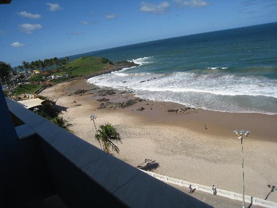 Monte Pascoal Praia Hotel: View from the balcony of Barra beach