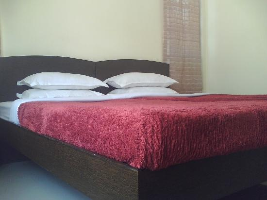 Amethyst Serviced Apartments: my room