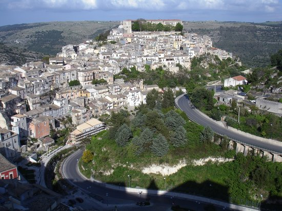 Ragusa, İtalya: View of the lower town
