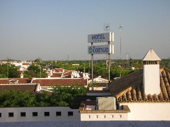 ALEGRIA El Cortijo: Cartel del hotel desde el pasillo