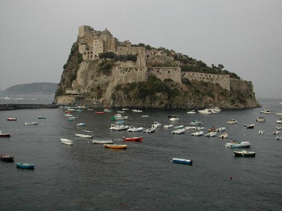 Villa Lieta: castello aragonese