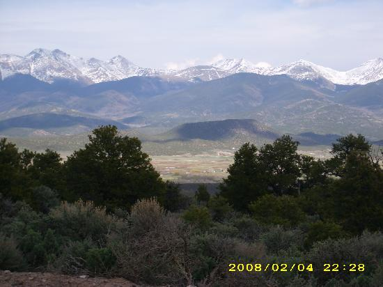 San Luis, Kolorado: The Sangre de Cristo Mountains(May 2008)