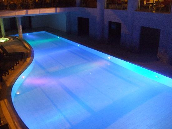 Atlantica Oasis Hotel: Indoor pool