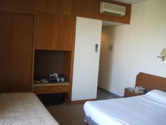 Atlantica Oasis Hotel: Bedroom 2