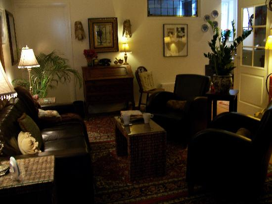Boogaard's Bed and Breakfast : Cosy, well appointed, shared lounge