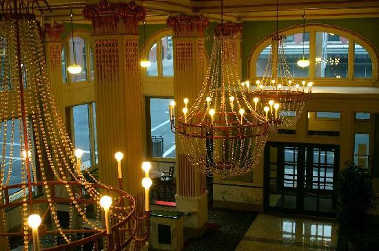 Finlen Hotel and Motor Inn: Lobby