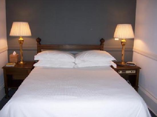 Dukes of Windsor Street: Room 2