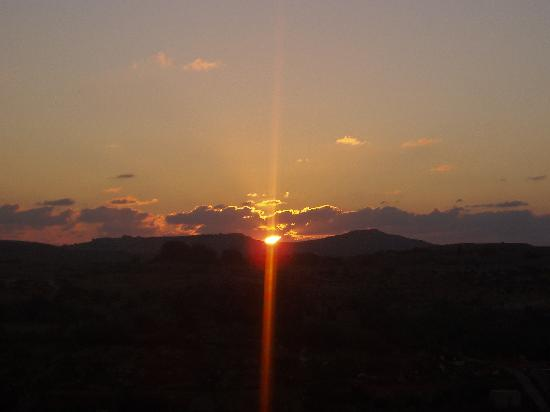 Cornucopia Hotel: sunset