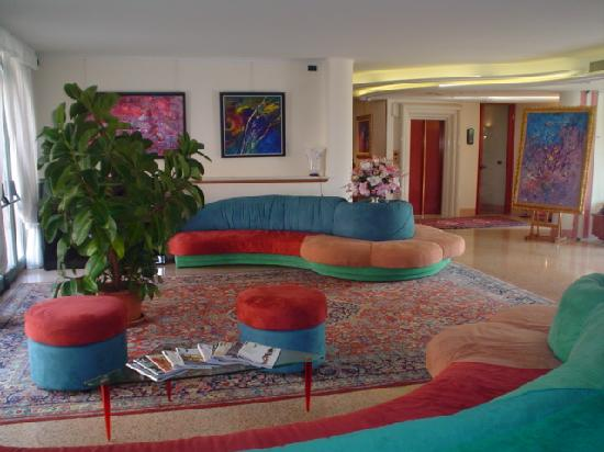 Hotel Contà: hall